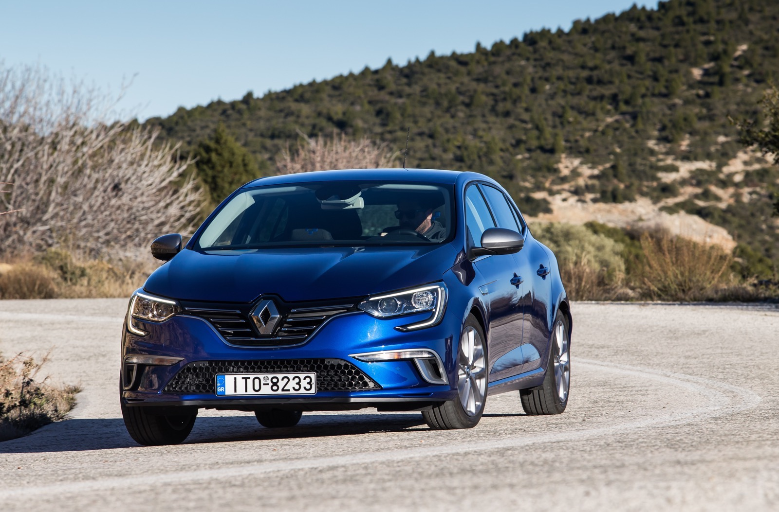 First_Drive_Renault_Megane_75
