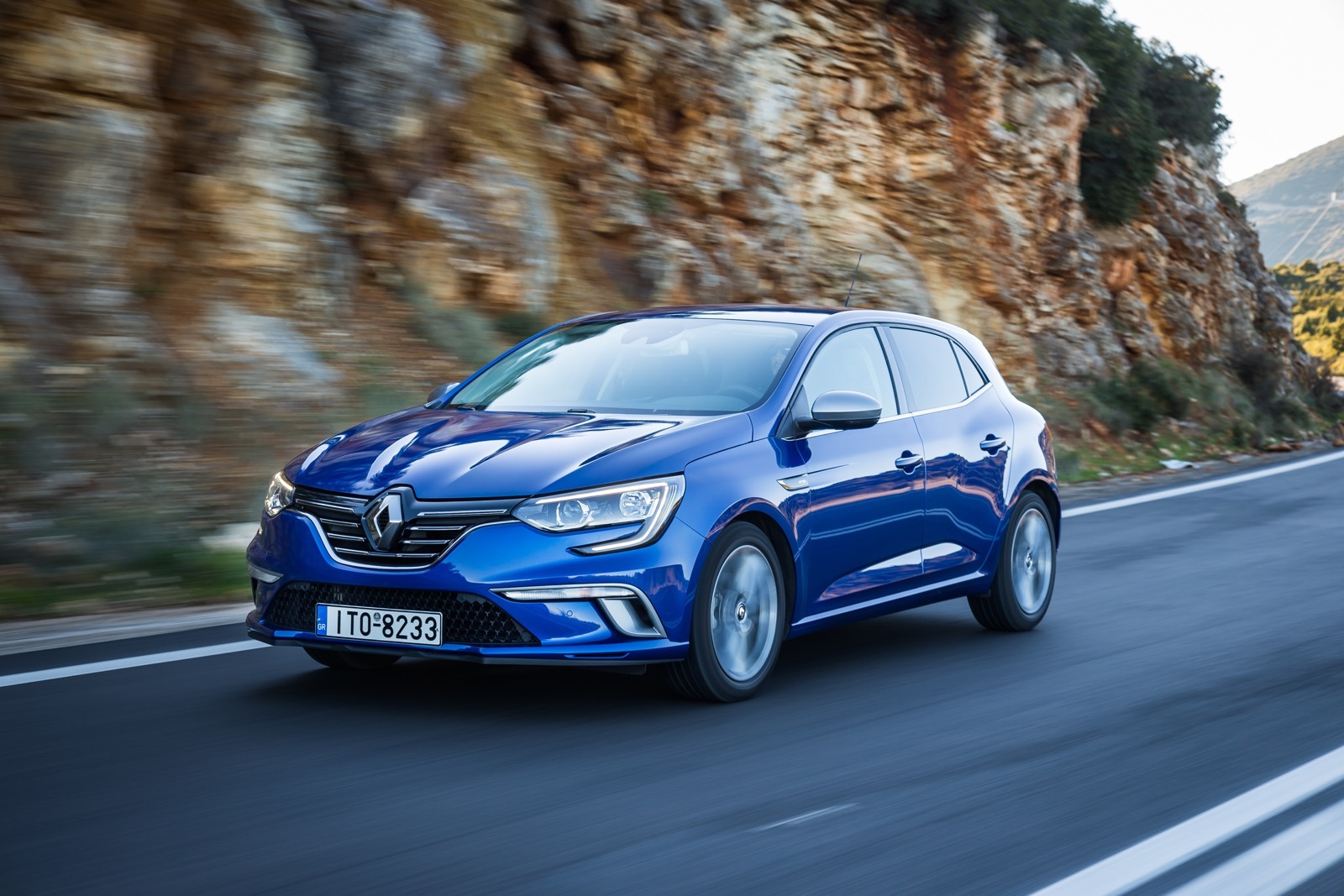 First_Drive_Renault_Megane_78