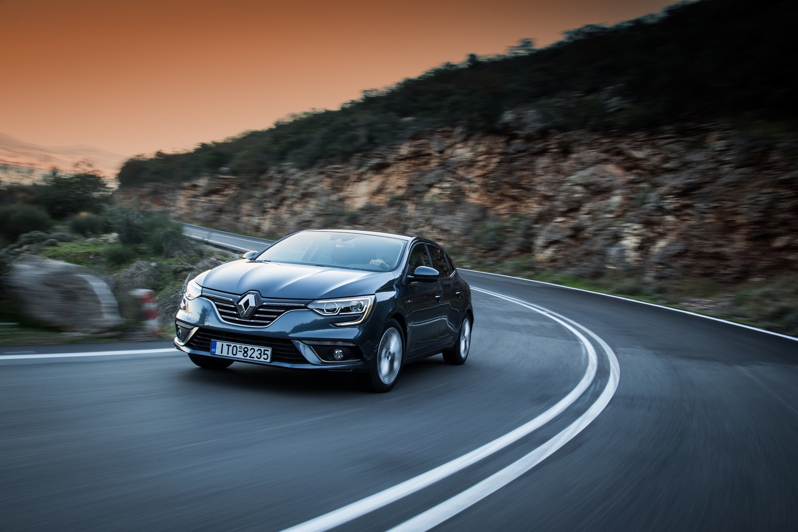First_Drive_Renault_Megane_79