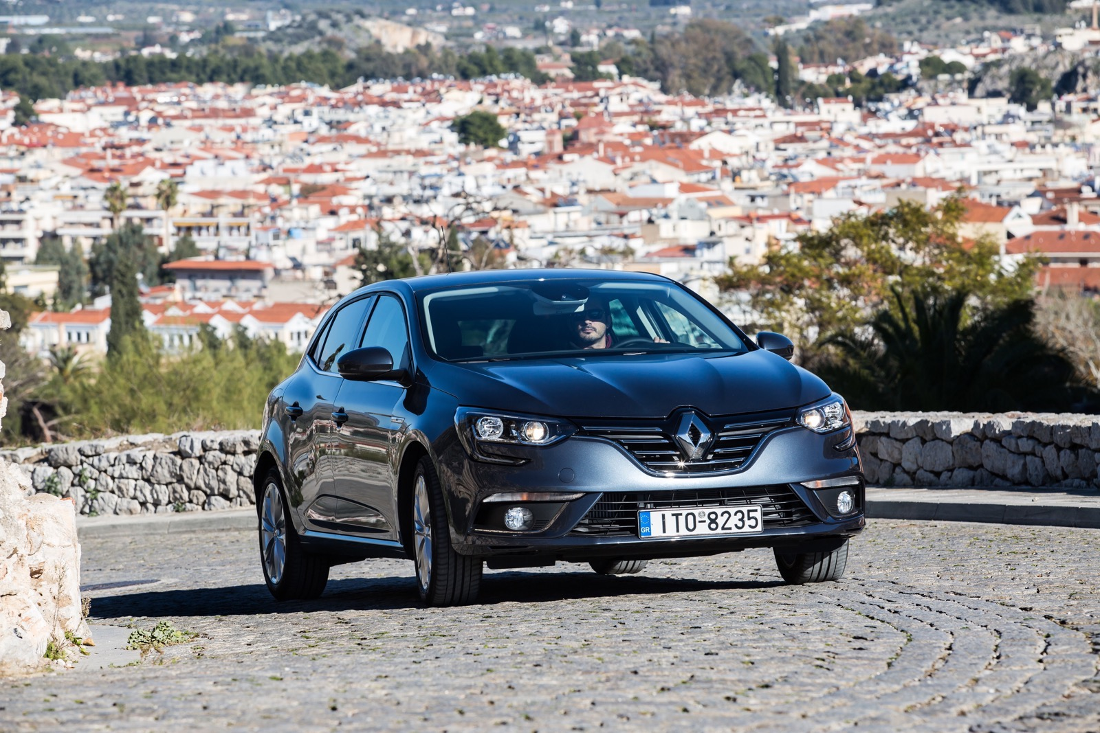 First_Drive_Renault_Megane_83