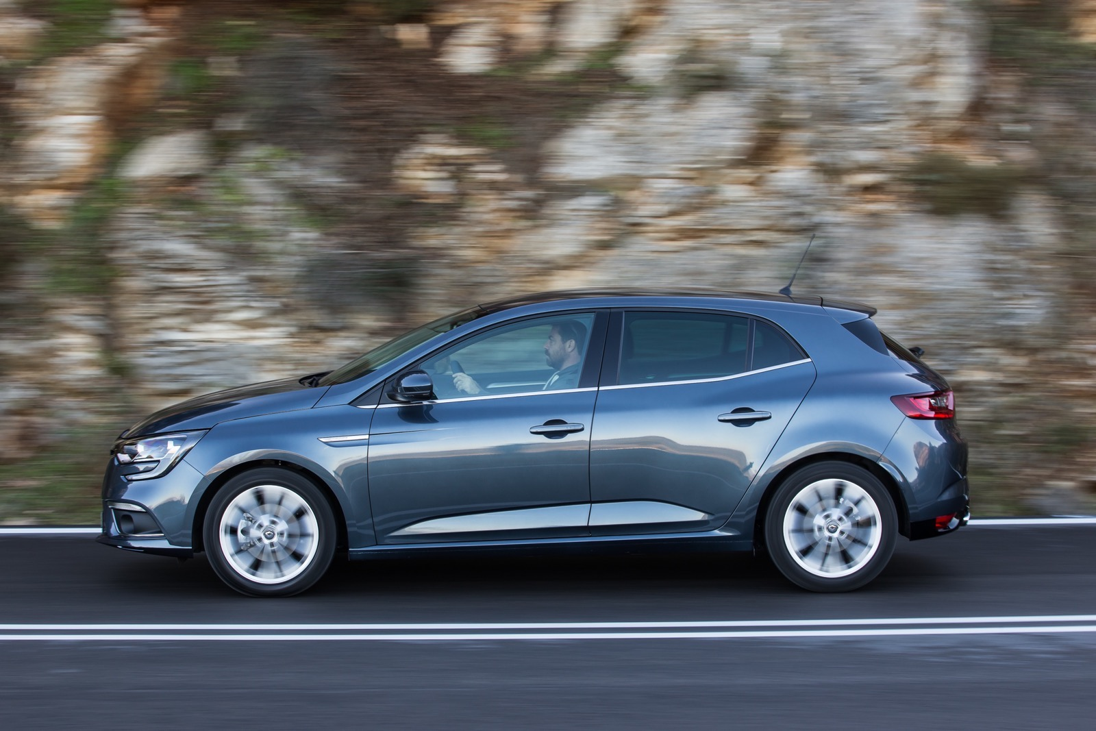 First_Drive_Renault_Megane_84