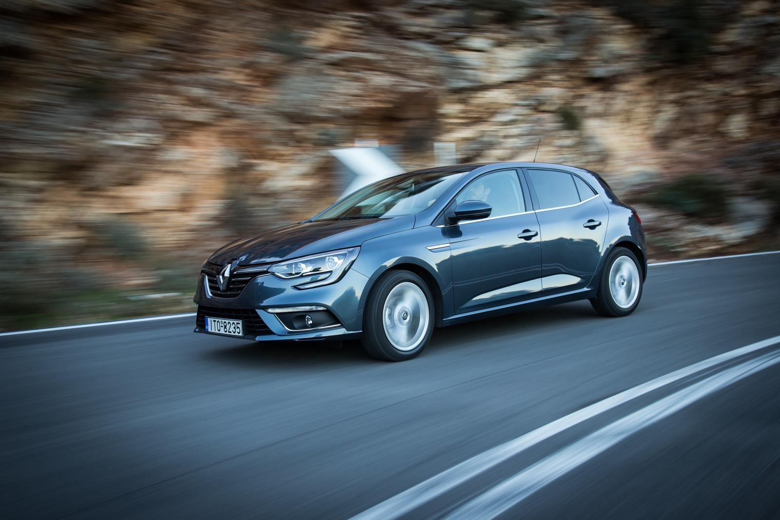 First_Drive_Renault_Megane_89