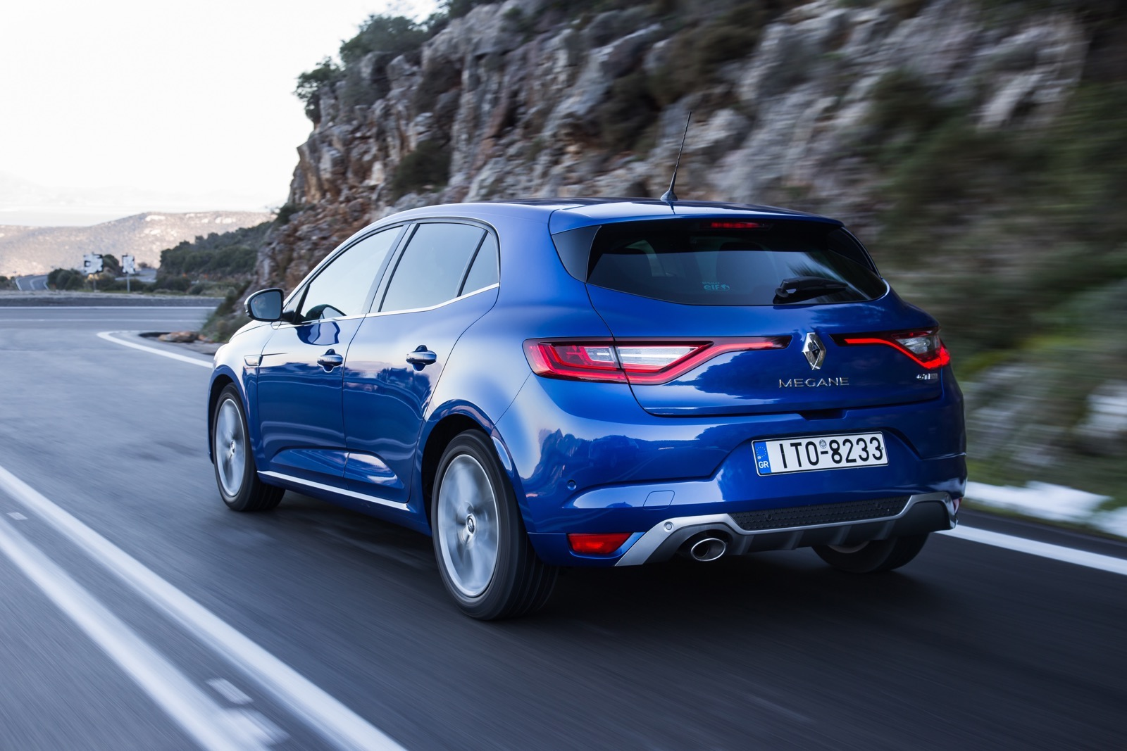 First_Drive_Renault_Megane_90