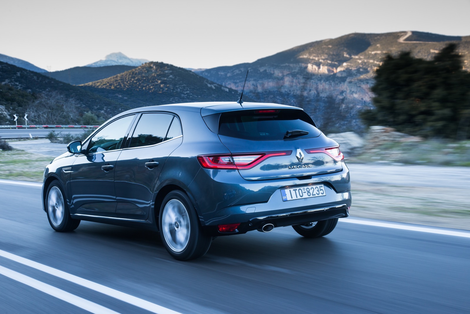 First_Drive_Renault_Megane_98