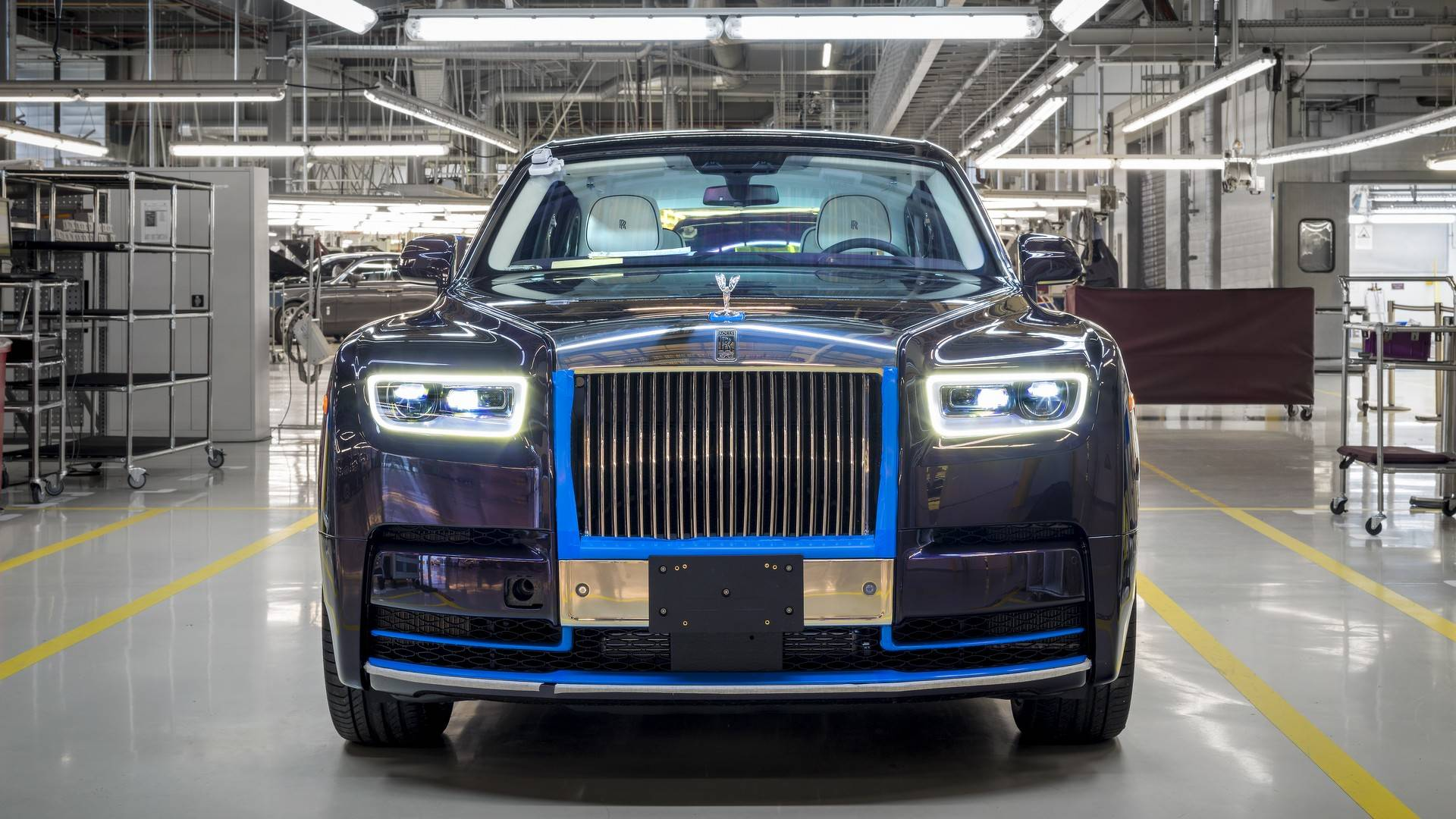 first-produced-2018-rolls-royce-phantom