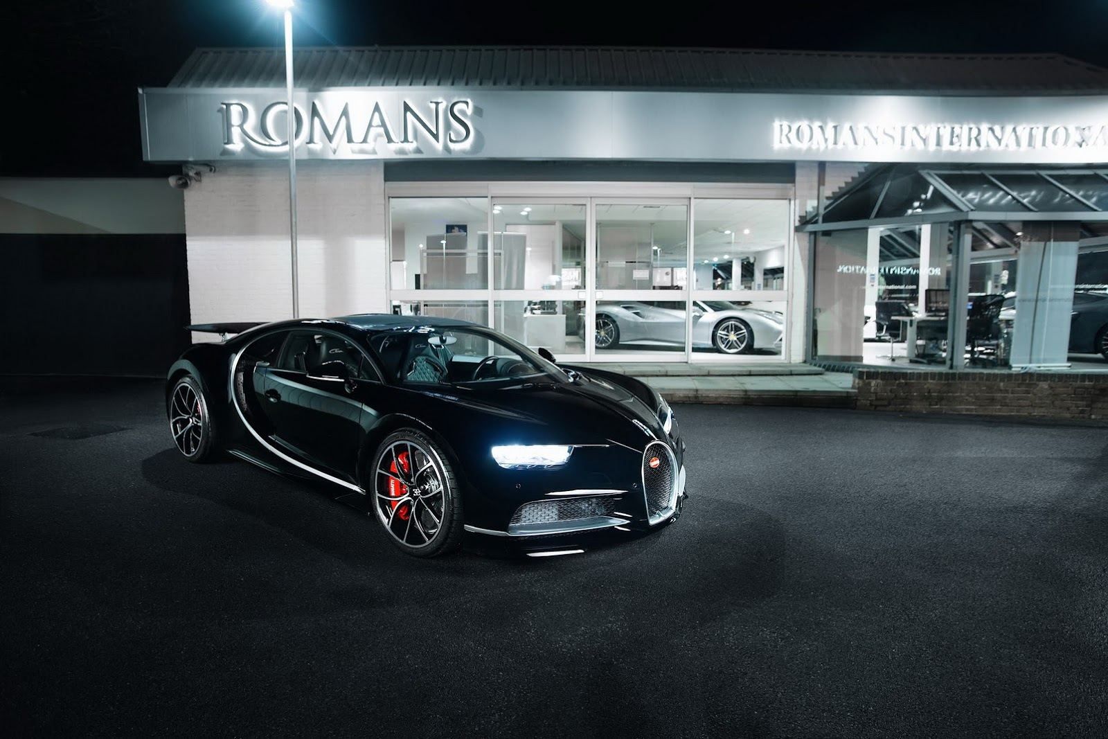 First_used_Bugatti_Chiron_00