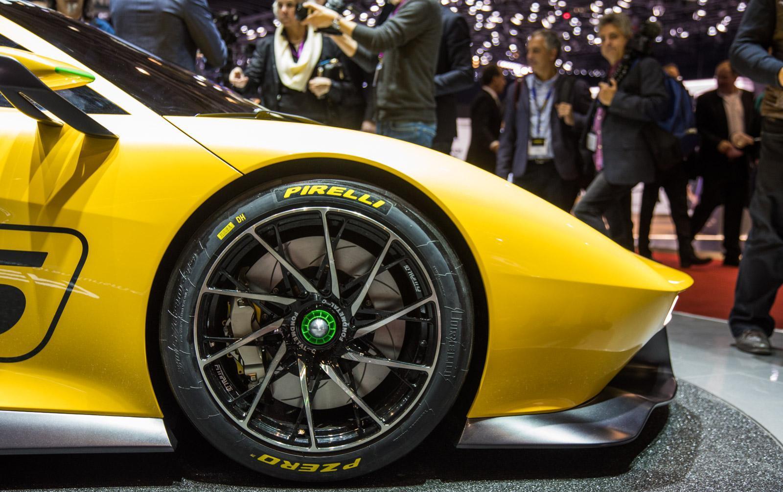 Fittipaldi EF7 Vision Gran Turismo in Geneva 2017 (19)