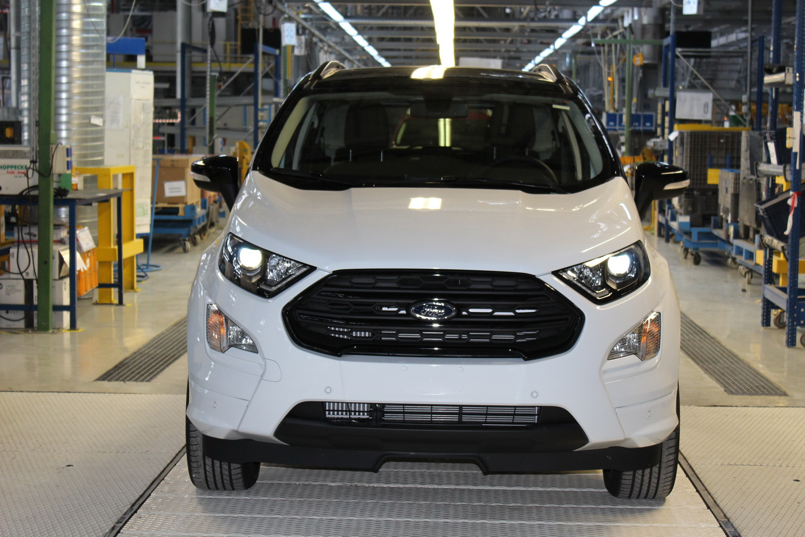 2018_Ford_EcoSport_start_production_05