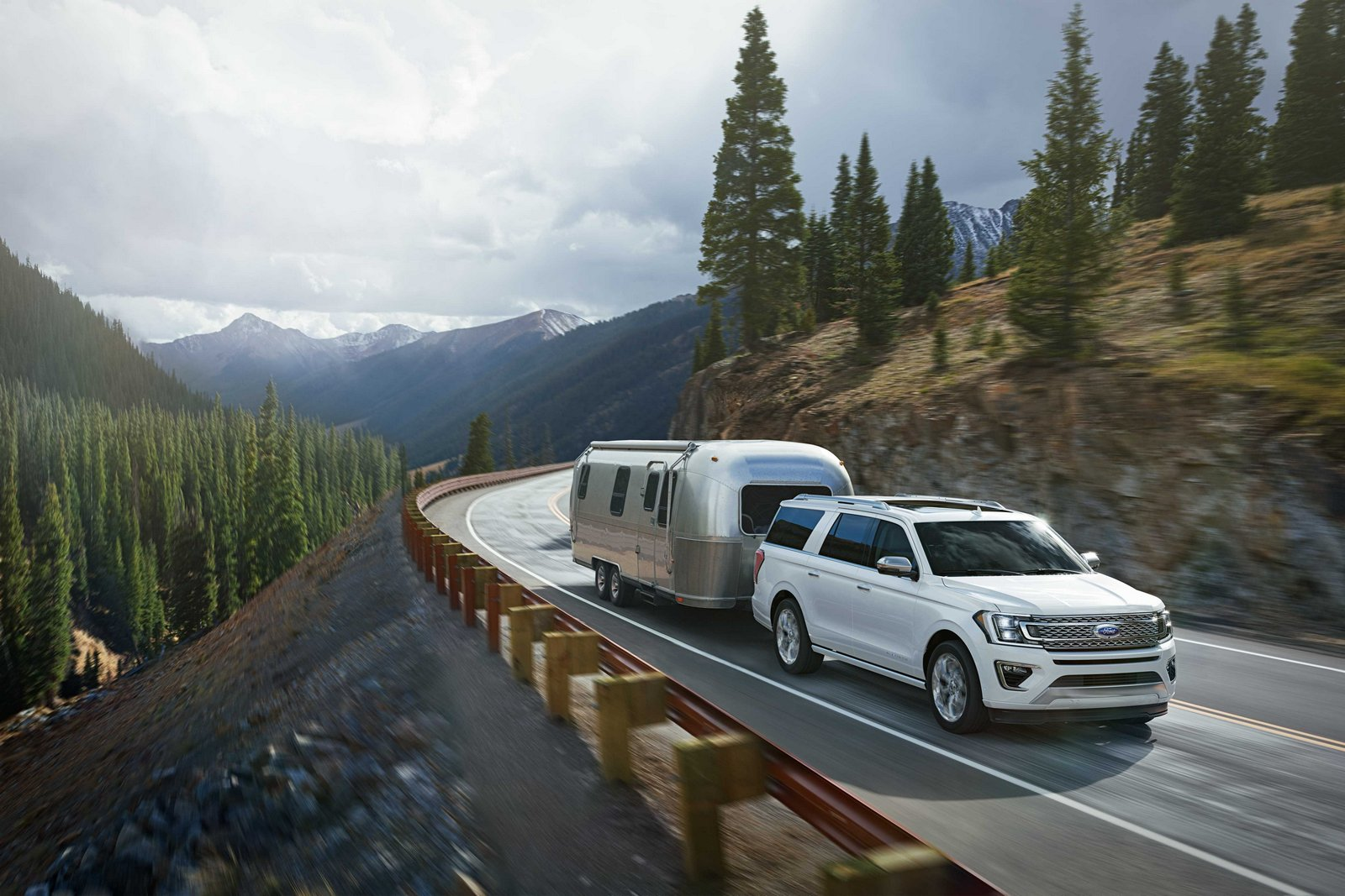 The all-new Ford Expedition, with expected best-in-class towing, features available Blind Spot Information System with trailer tow that monitors a driver's blind spots, adjusting the monitored areas based on the length of a camper, boat or trailer.