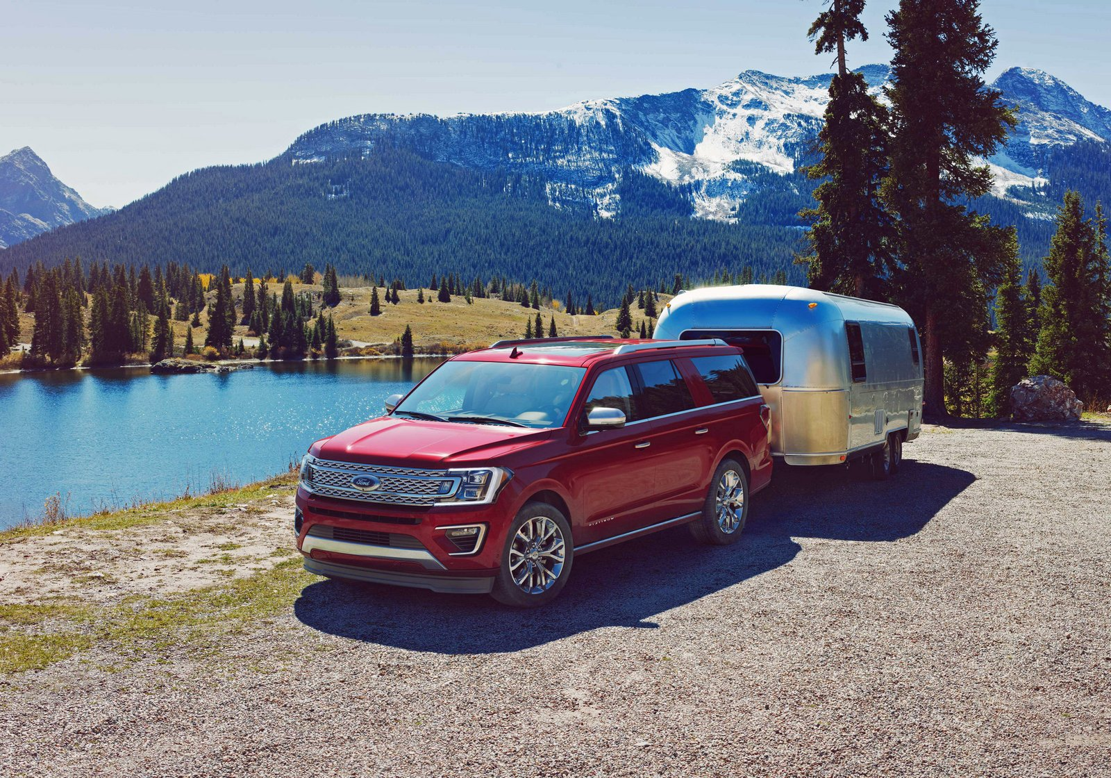 With available Pro Trailer Backup Assist, the all-new Ford Expedition makes backing up a trailer as easy as turning a knob.