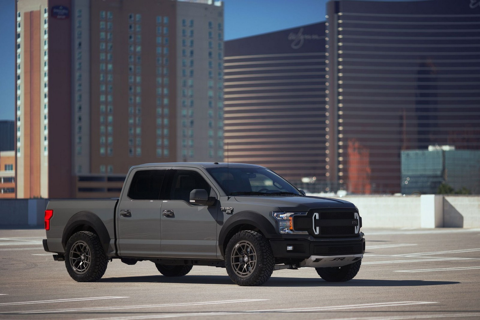 Ford_F-150_RTR_Muscle_Truck_concept0000