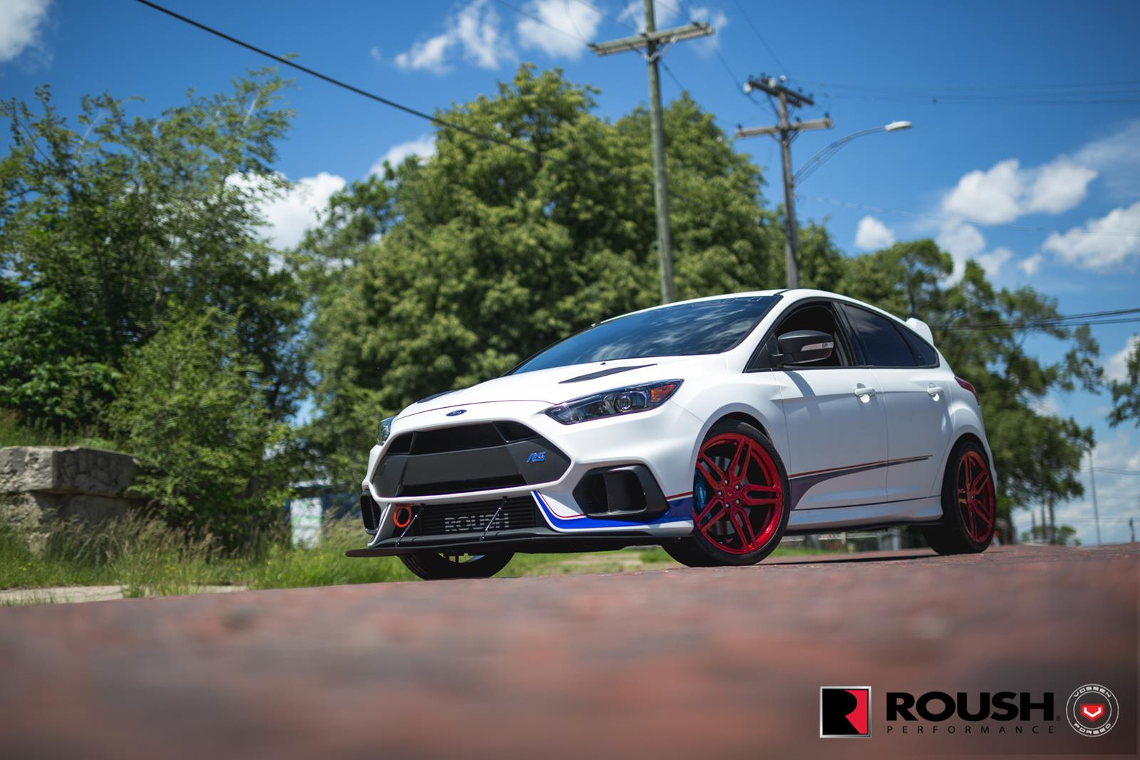 Ford_Focus_RS_by_Roush_Vossen_Wheels_05