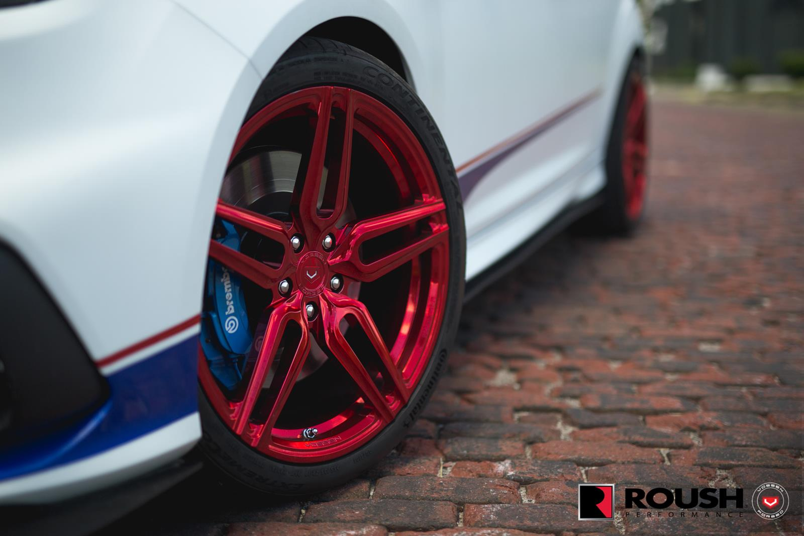 Ford_Focus_RS_by_Roush_Vossen_Wheels_07