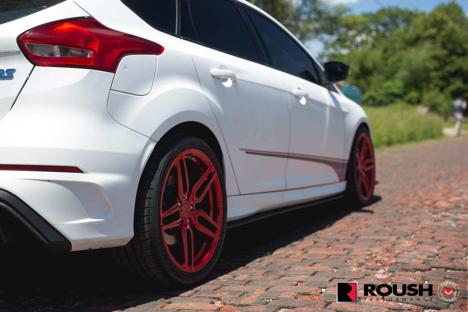 Ford_Focus_RS_by_Roush_Vossen_Wheels_20