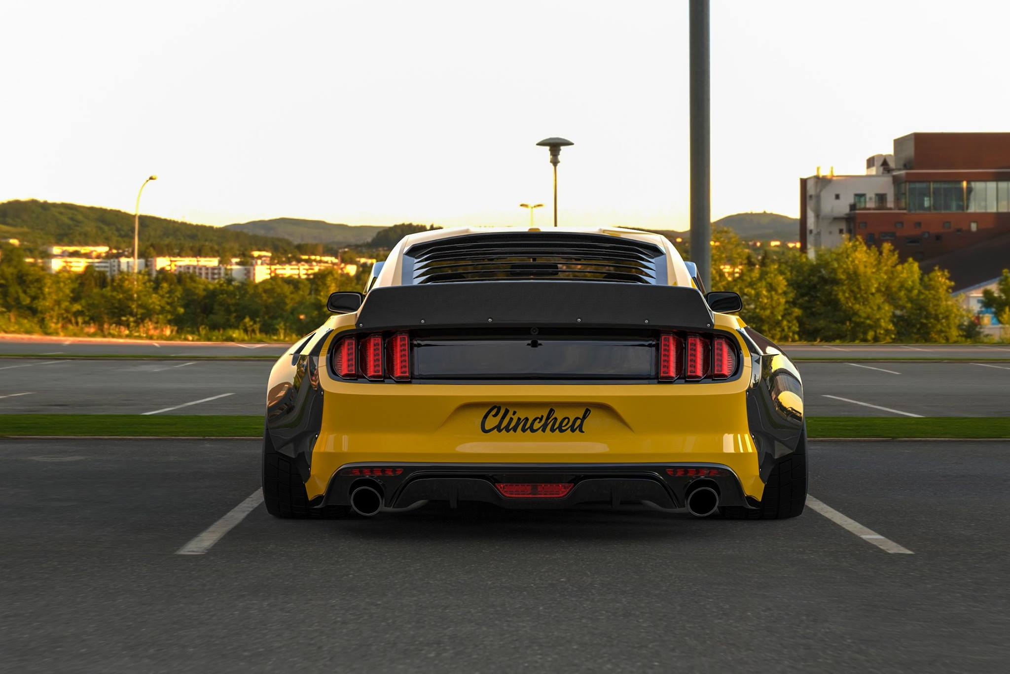 Ford Mustang widebody by Clinched (1)