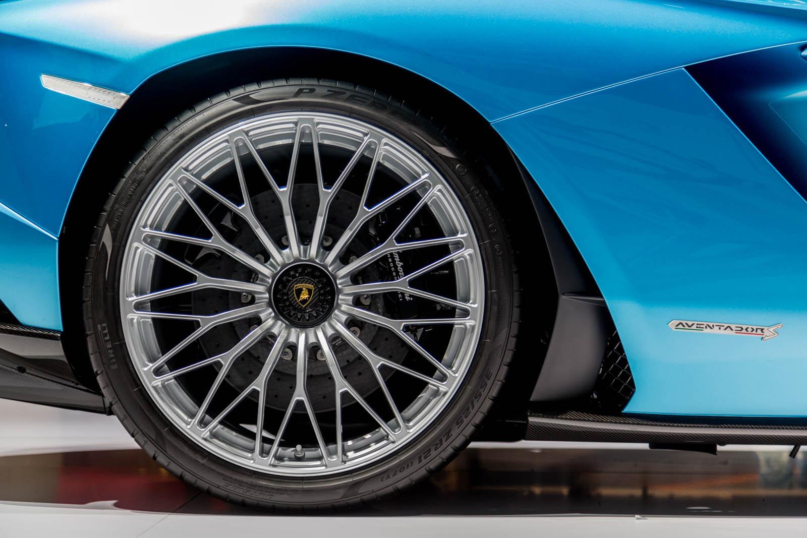 Lamborghini Aventador Roadster S facelift (11)