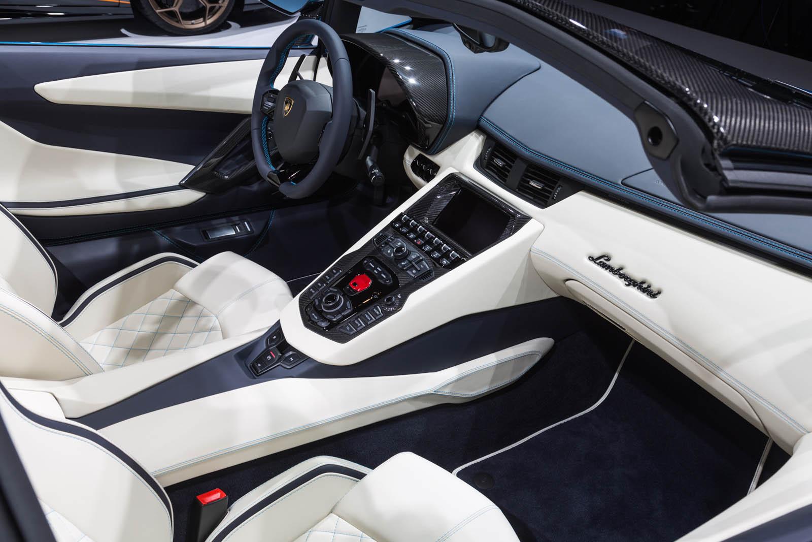 Lamborghini Aventador Roadster S facelift (12)