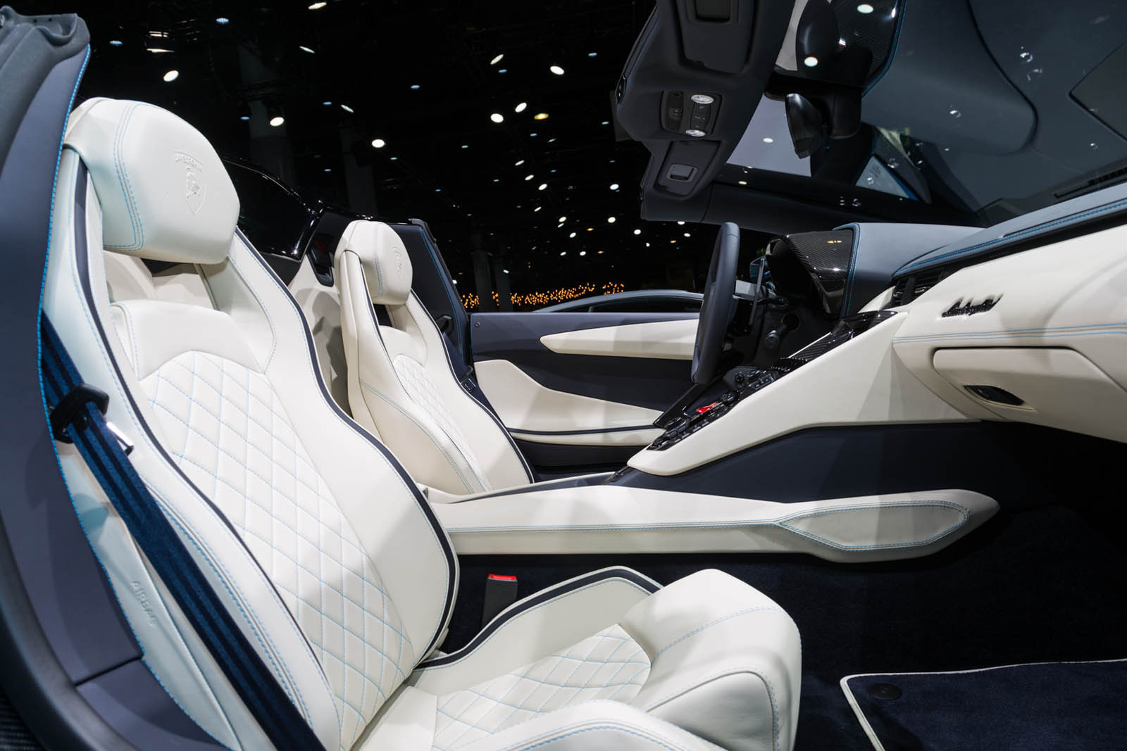 Lamborghini Aventador Roadster S facelift (13)