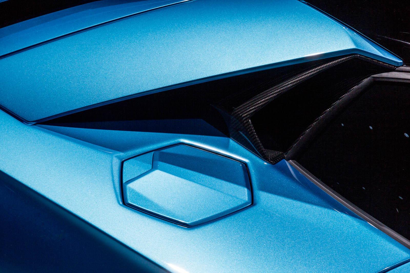 Lamborghini Aventador Roadster S facelift (9)