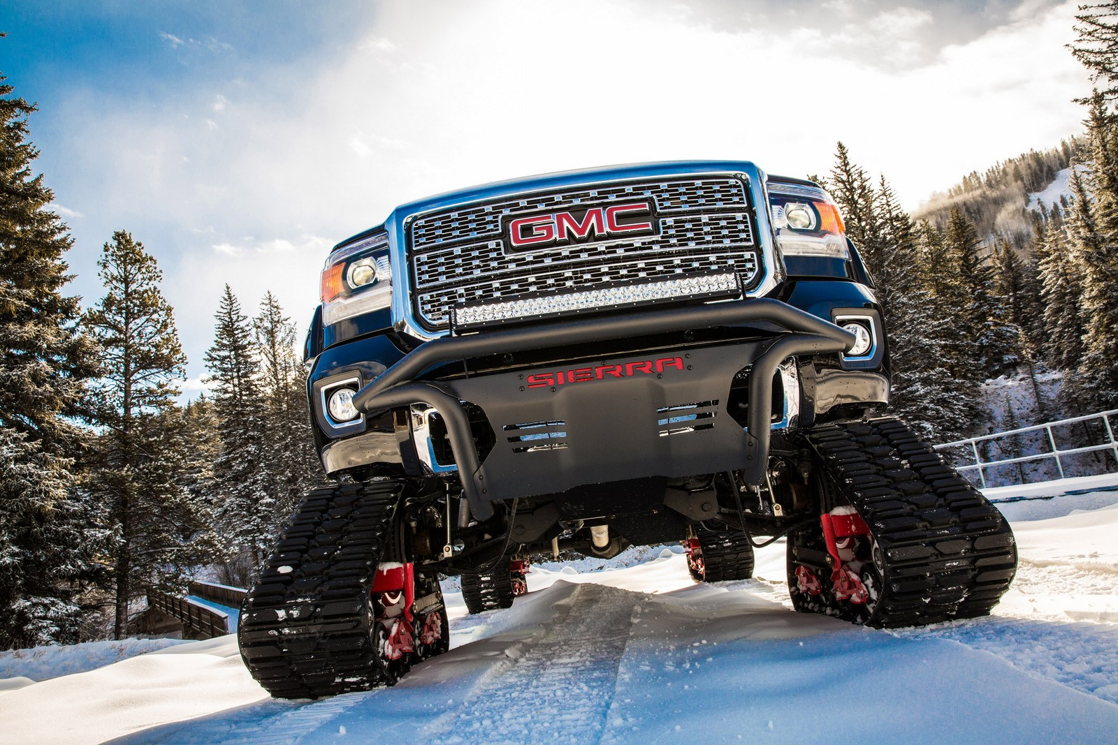 2018 GMC Sierra 2500HD All Mountain Concept.