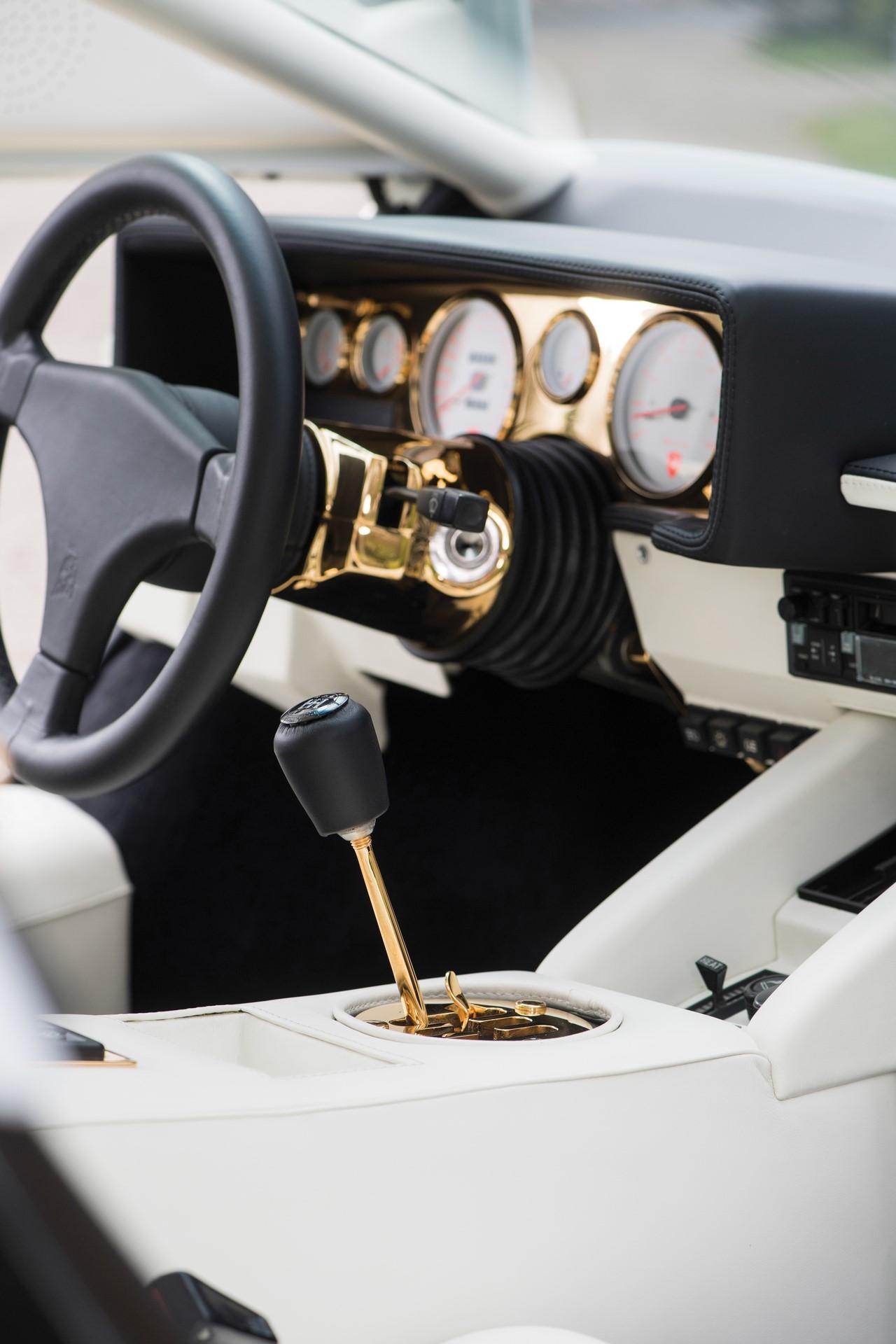 Gold Lamborghini Countach 5000 QV (12)