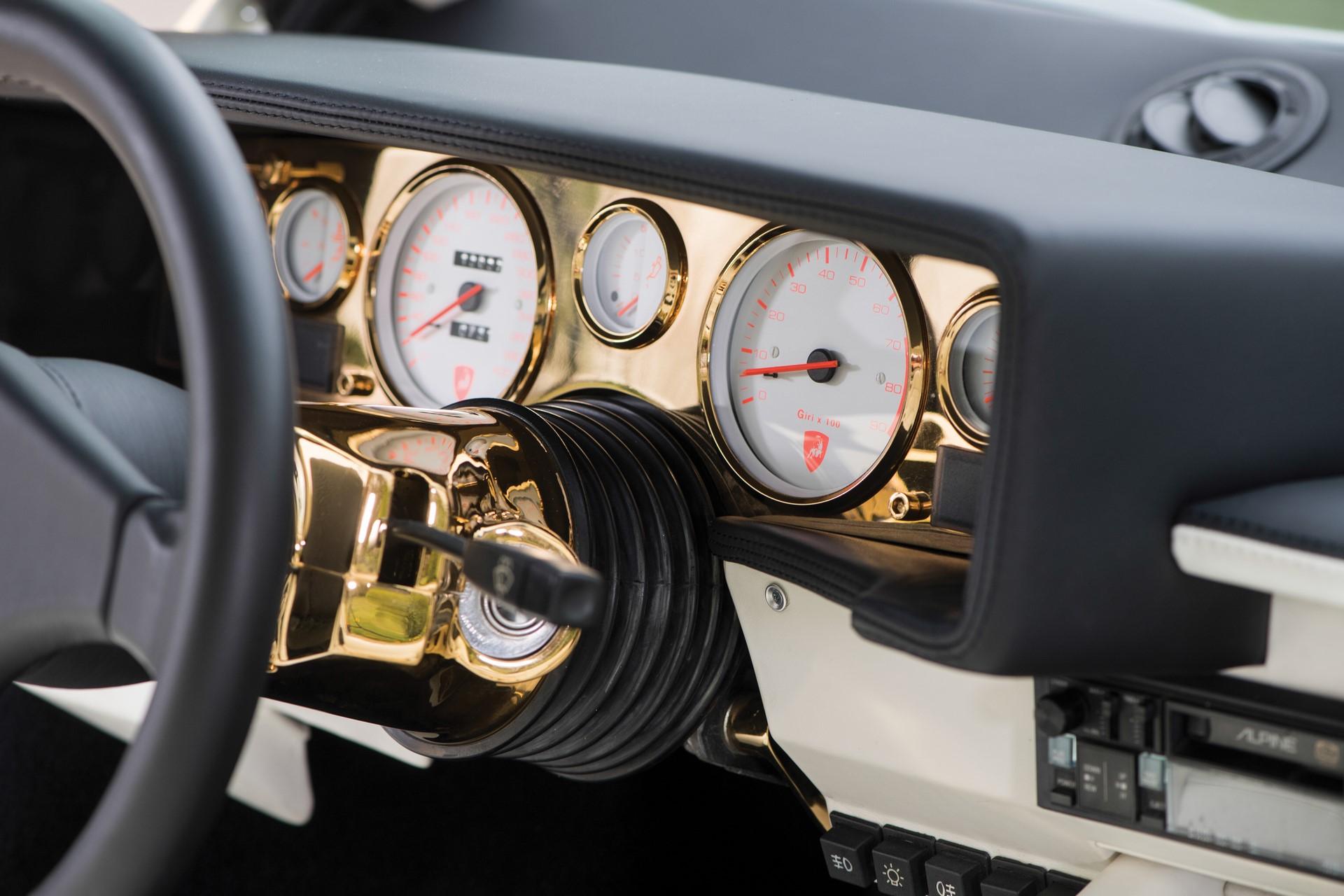 Gold Lamborghini Countach 5000 QV (15)