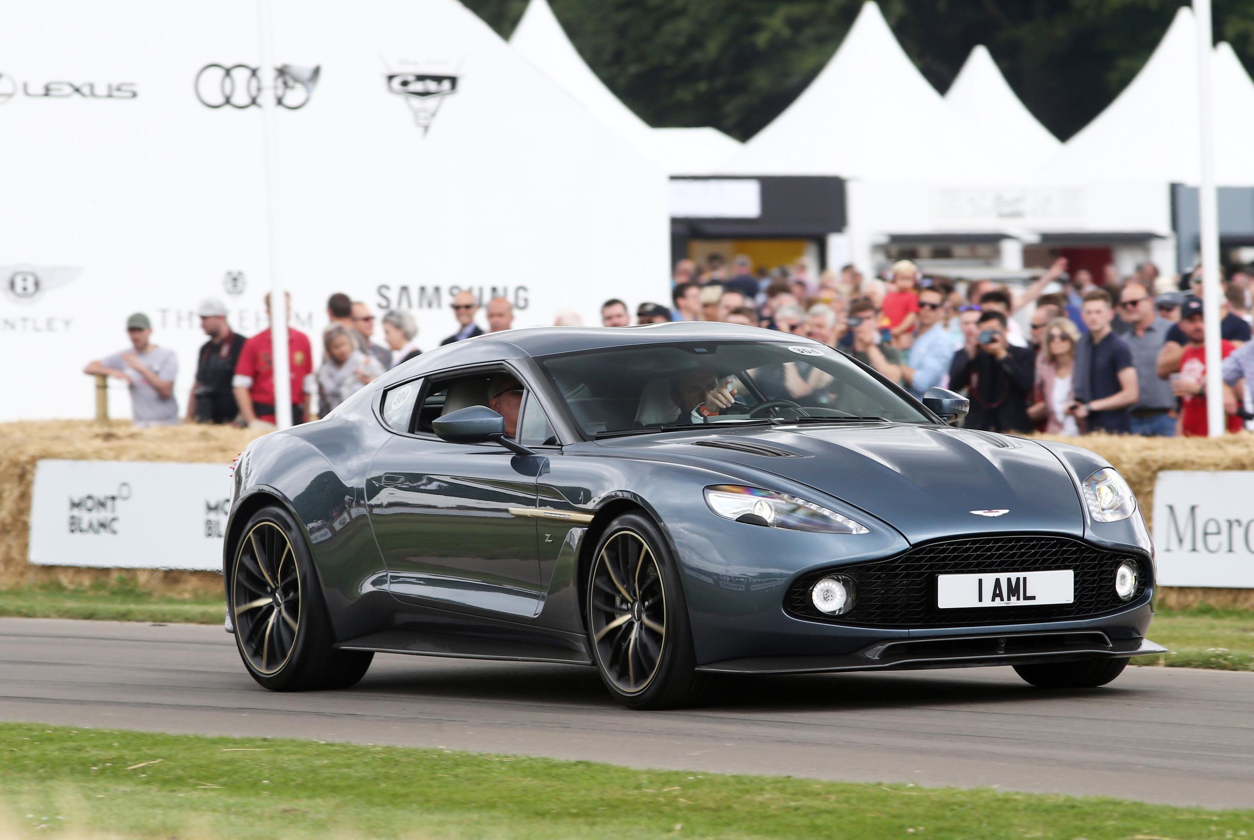 Aston-02(1)