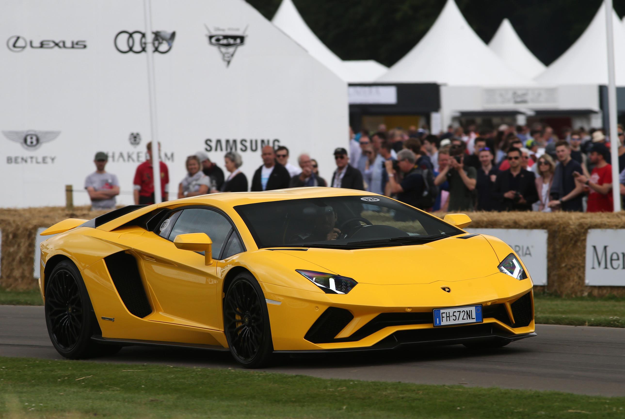 Lamborghini-02(1)