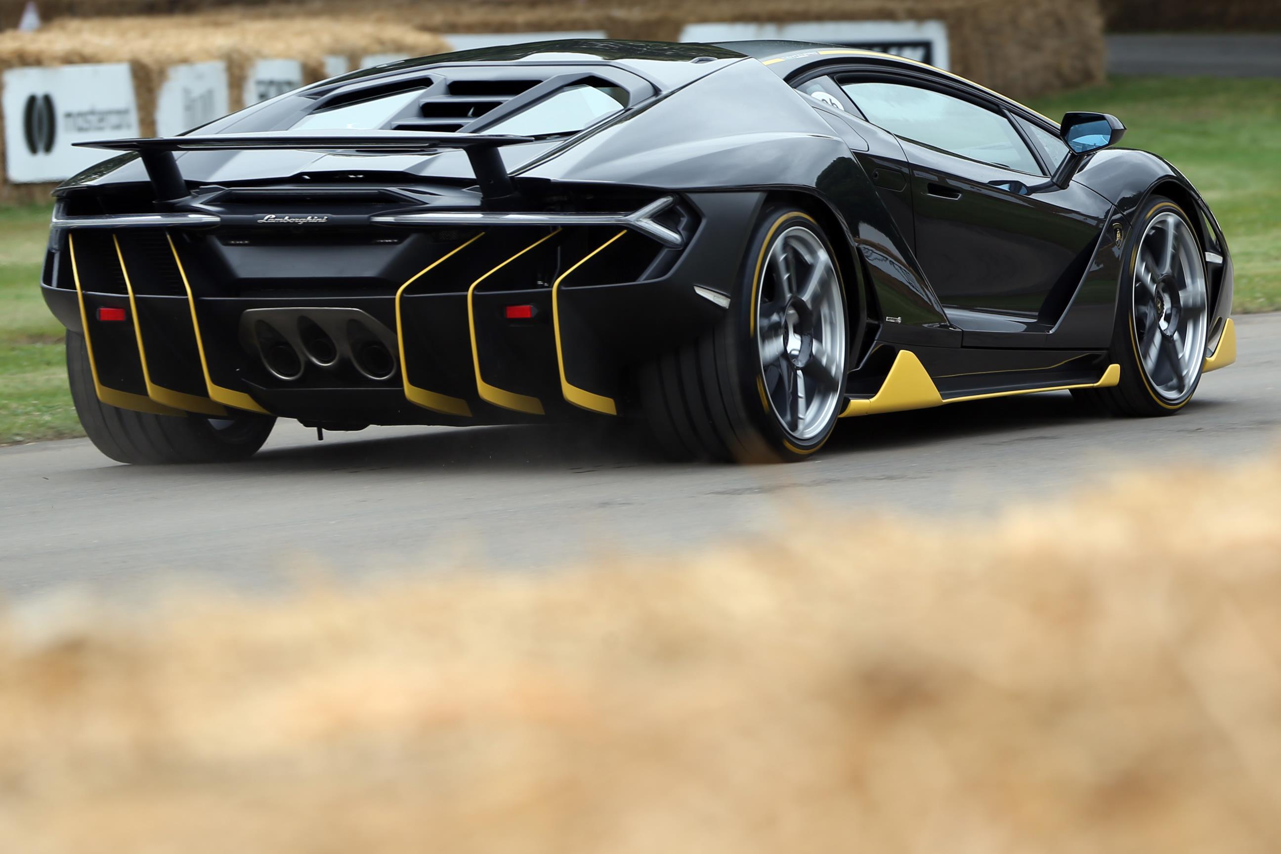 Lamborghini-04(1)