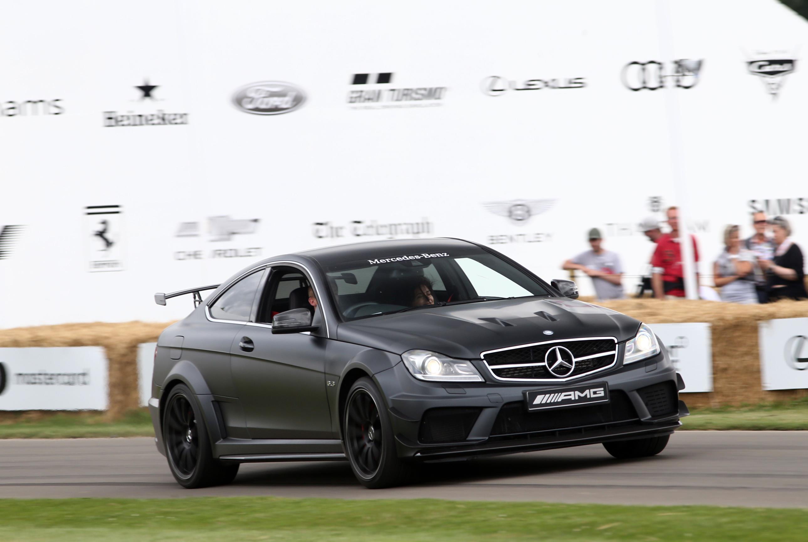 Mercedes-02(1)