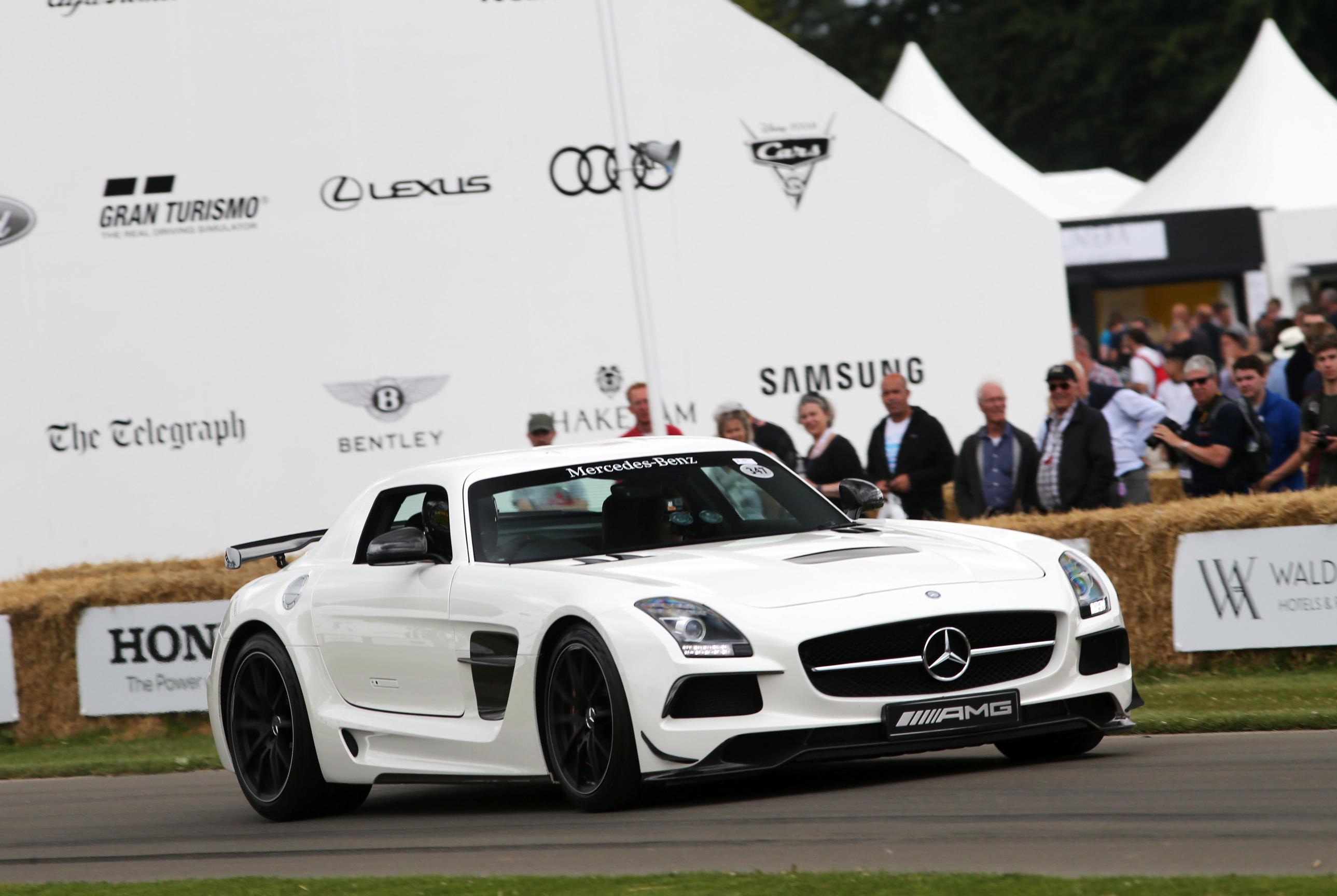 Mercedes-03(1)
