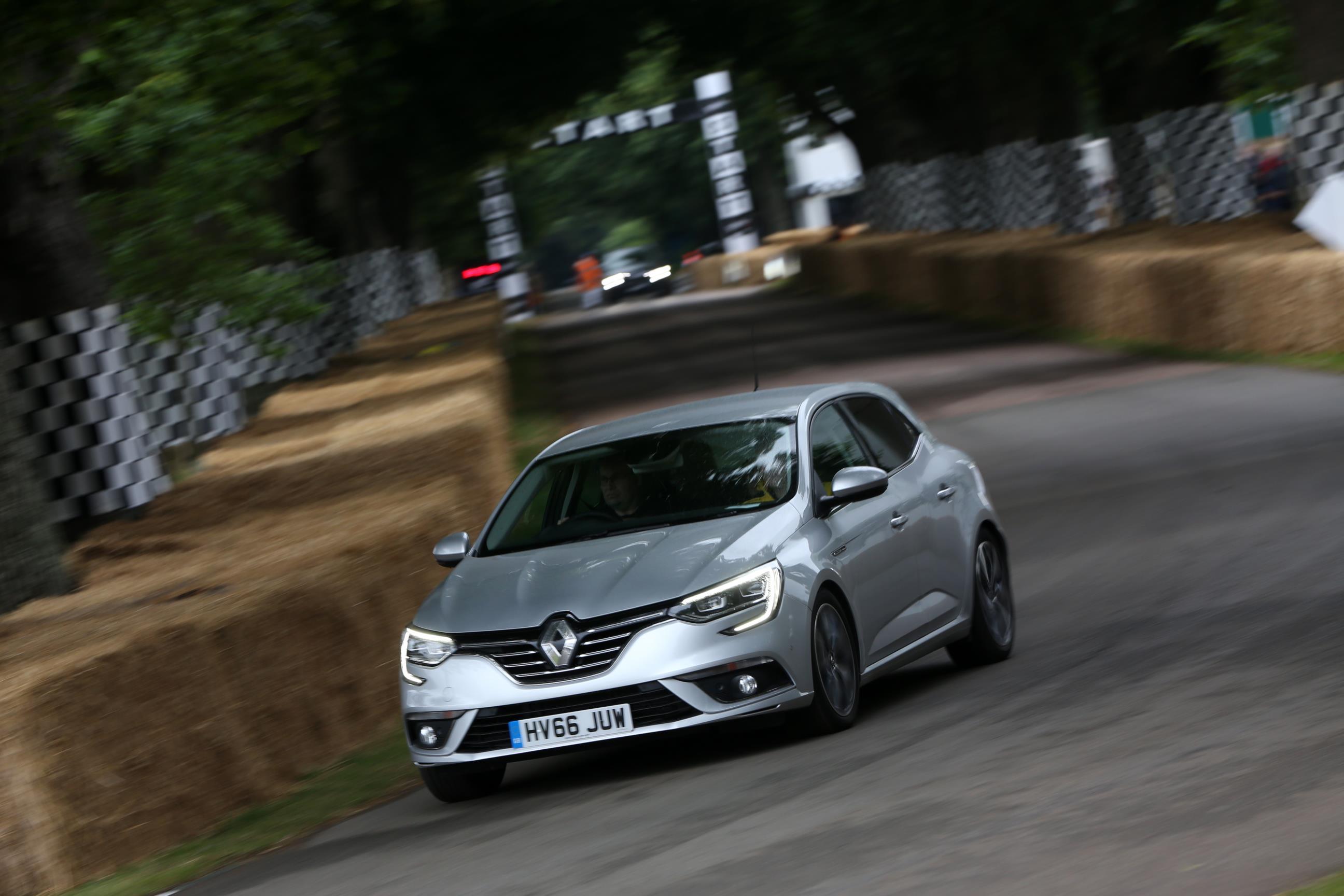 Renault-03(1)