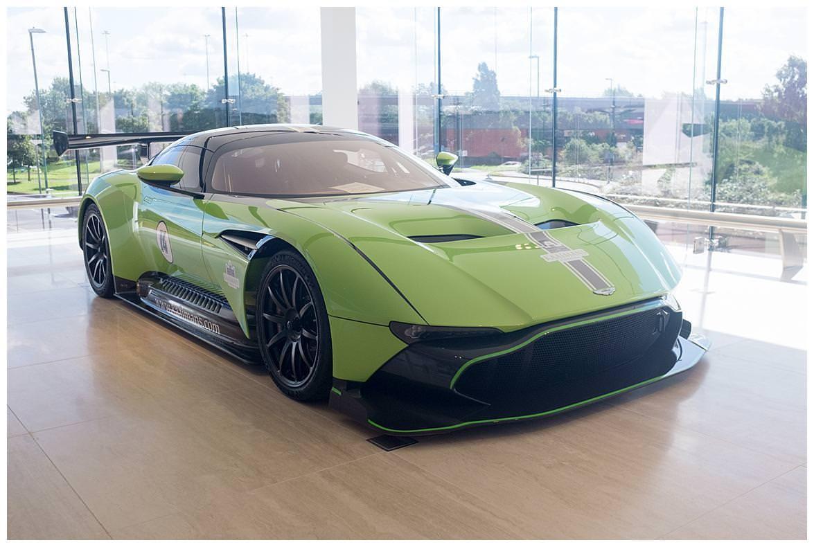 Green Aston Martin Vulcan (3)