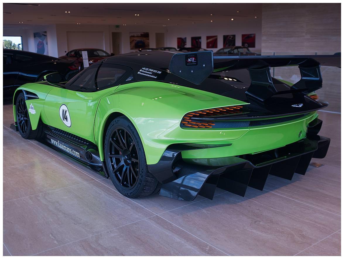 Green Aston Martin Vulcan (5)