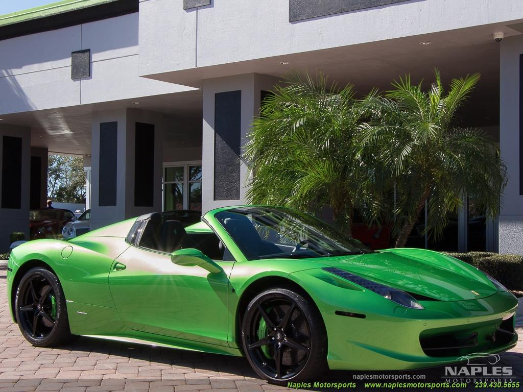 Green_Ferrari_458_Spider_04