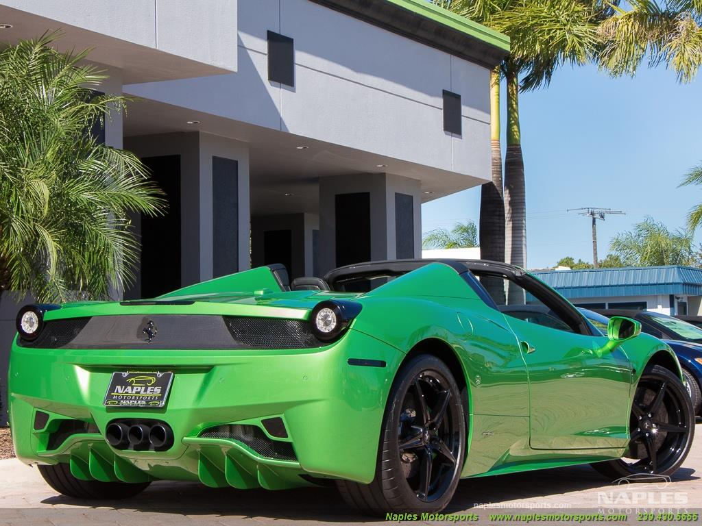 Green_Ferrari_458_Spider_05
