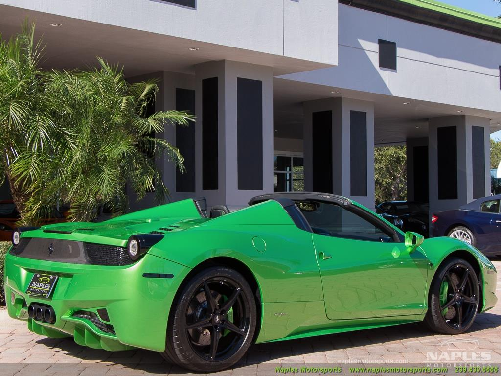 Green_Ferrari_458_Spider_12