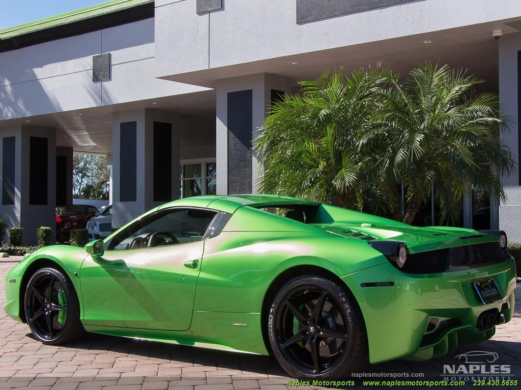 Green_Ferrari_458_Spider_38