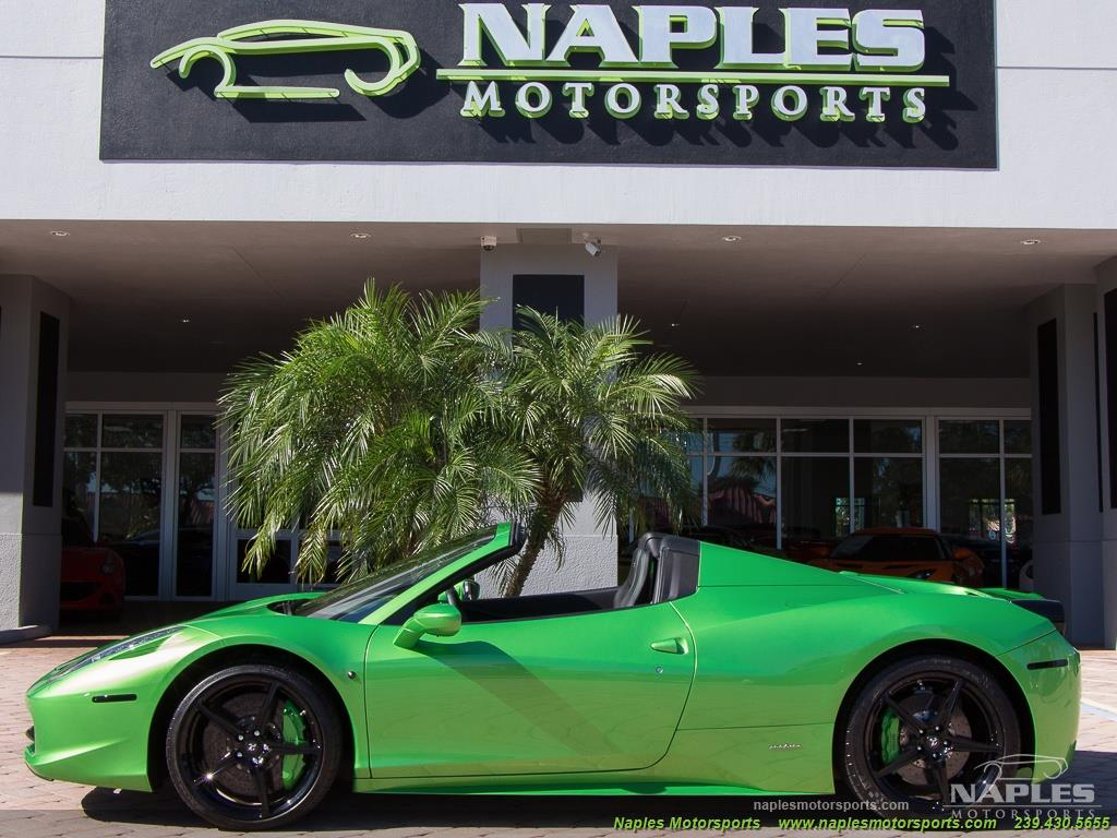 Green_Ferrari_458_Spider_40