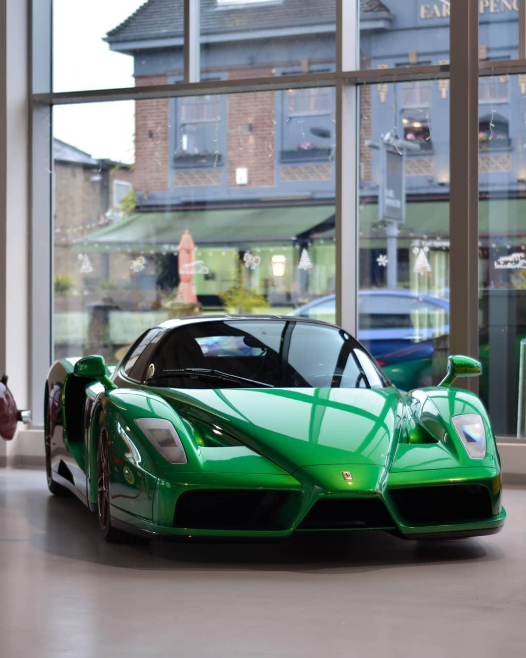 Green Ferrari Enzo (2)