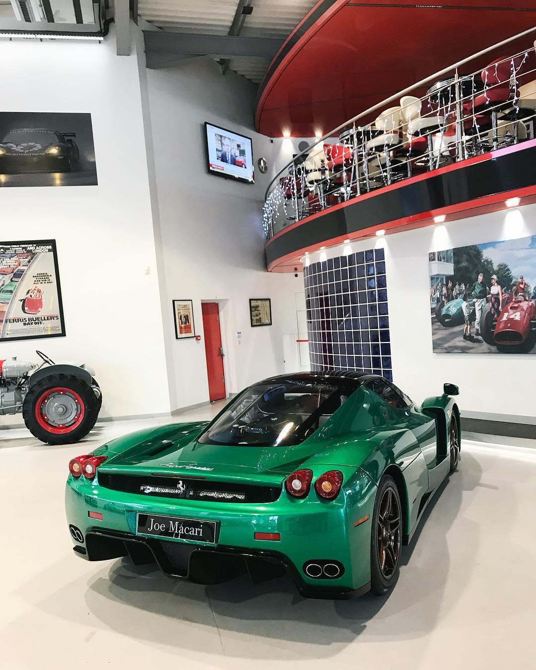 Green Ferrari Enzo (5)