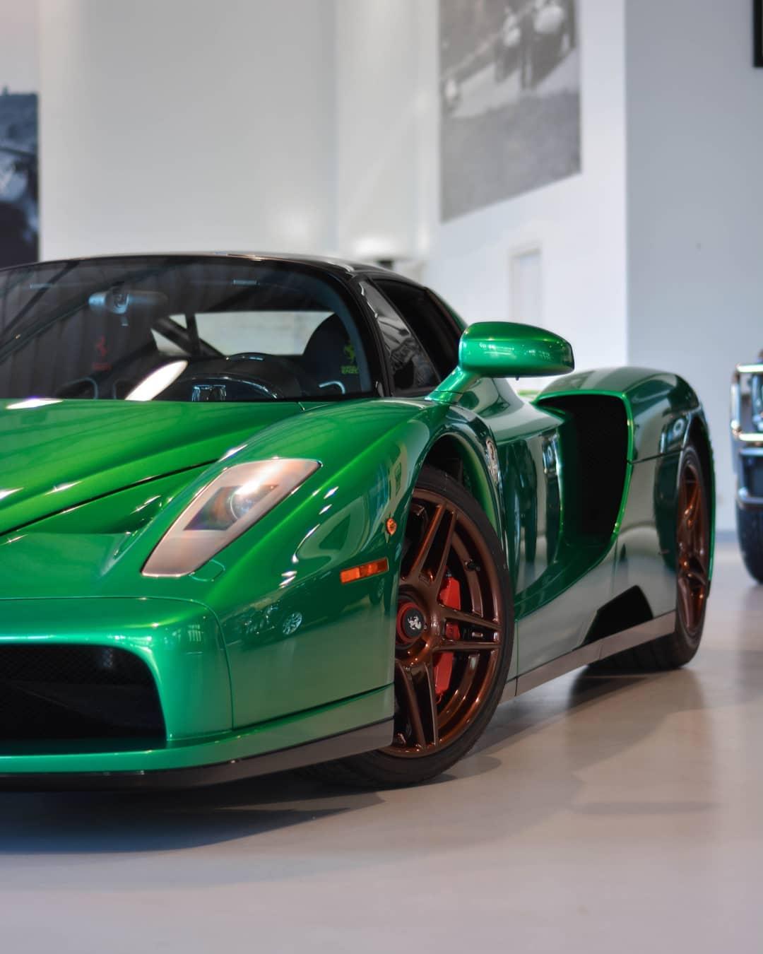 Green Ferrari Enzo (6)