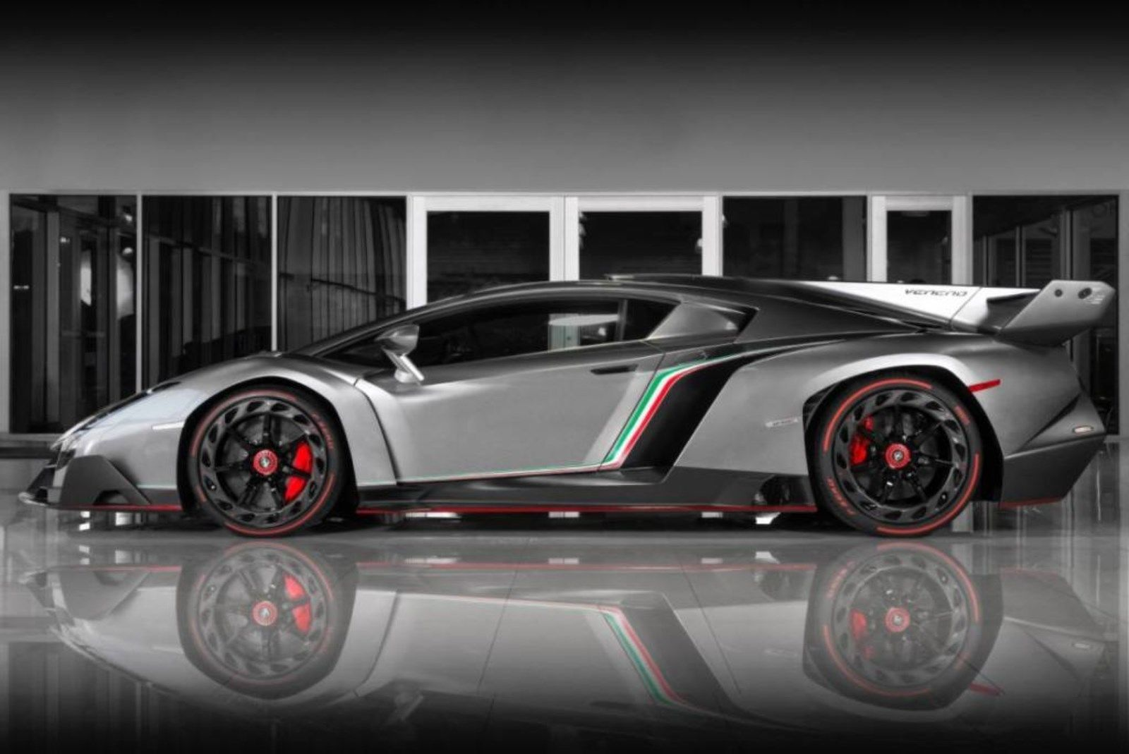 Grey Lamborghini Veneno for sale (4)