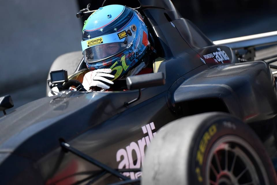 Griiip_G1_racing_02