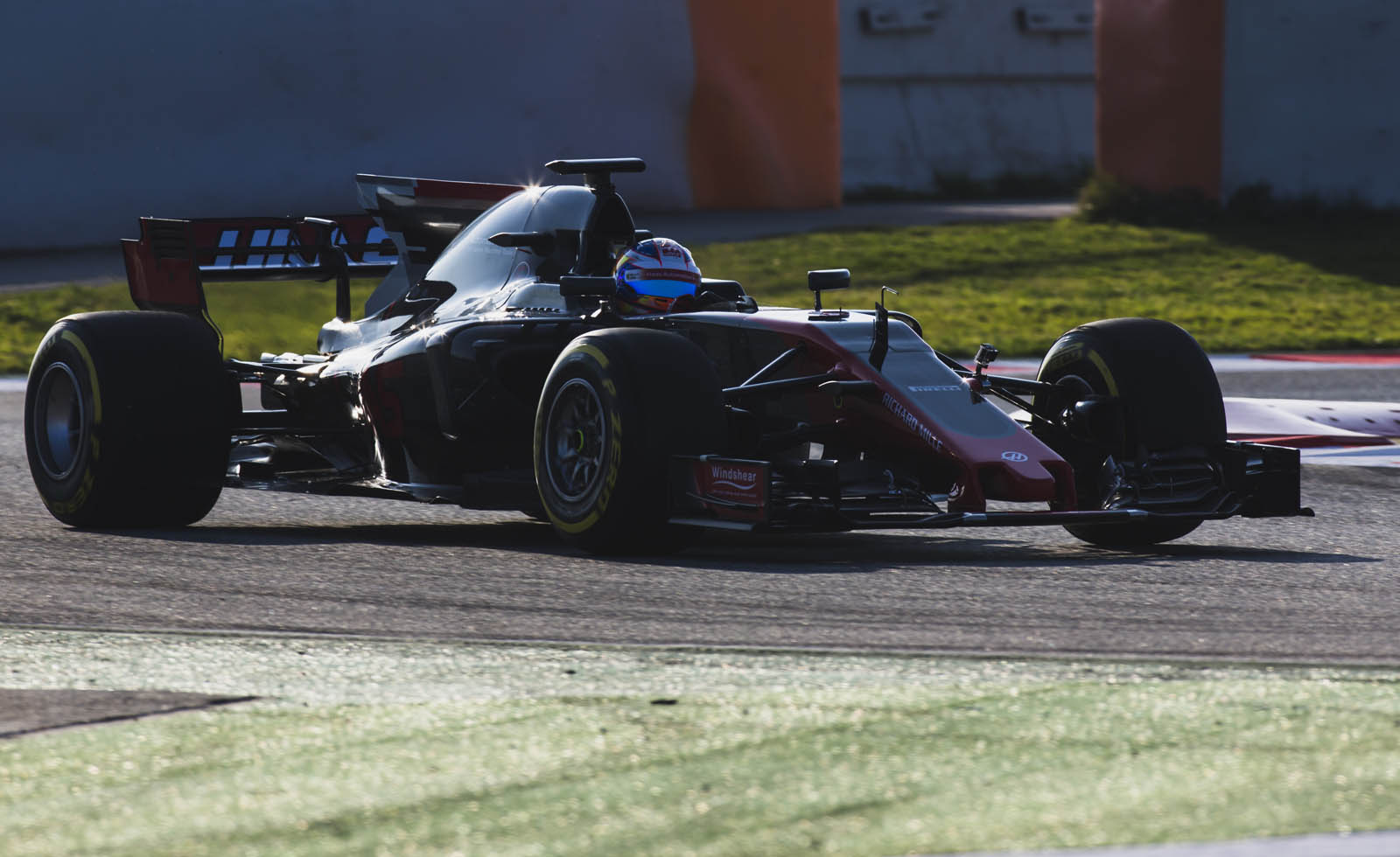 Haas VF17 (8)