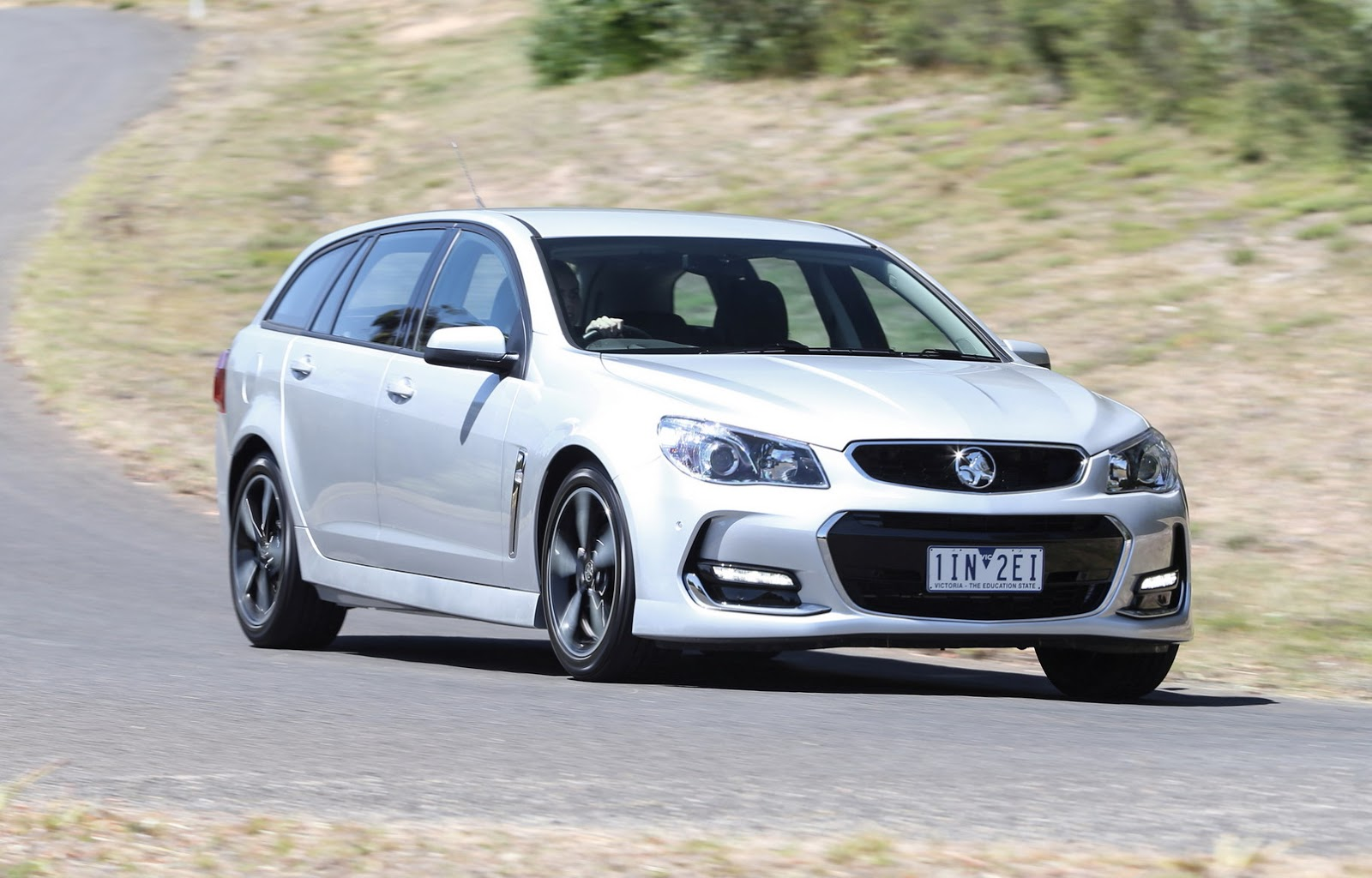 2017-Holden-Commodore-26