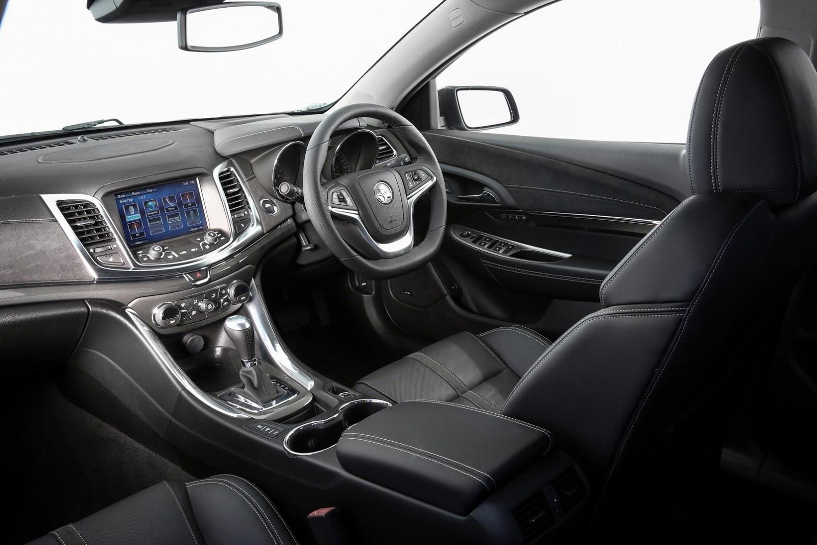 2017-Holden-Commodore-7