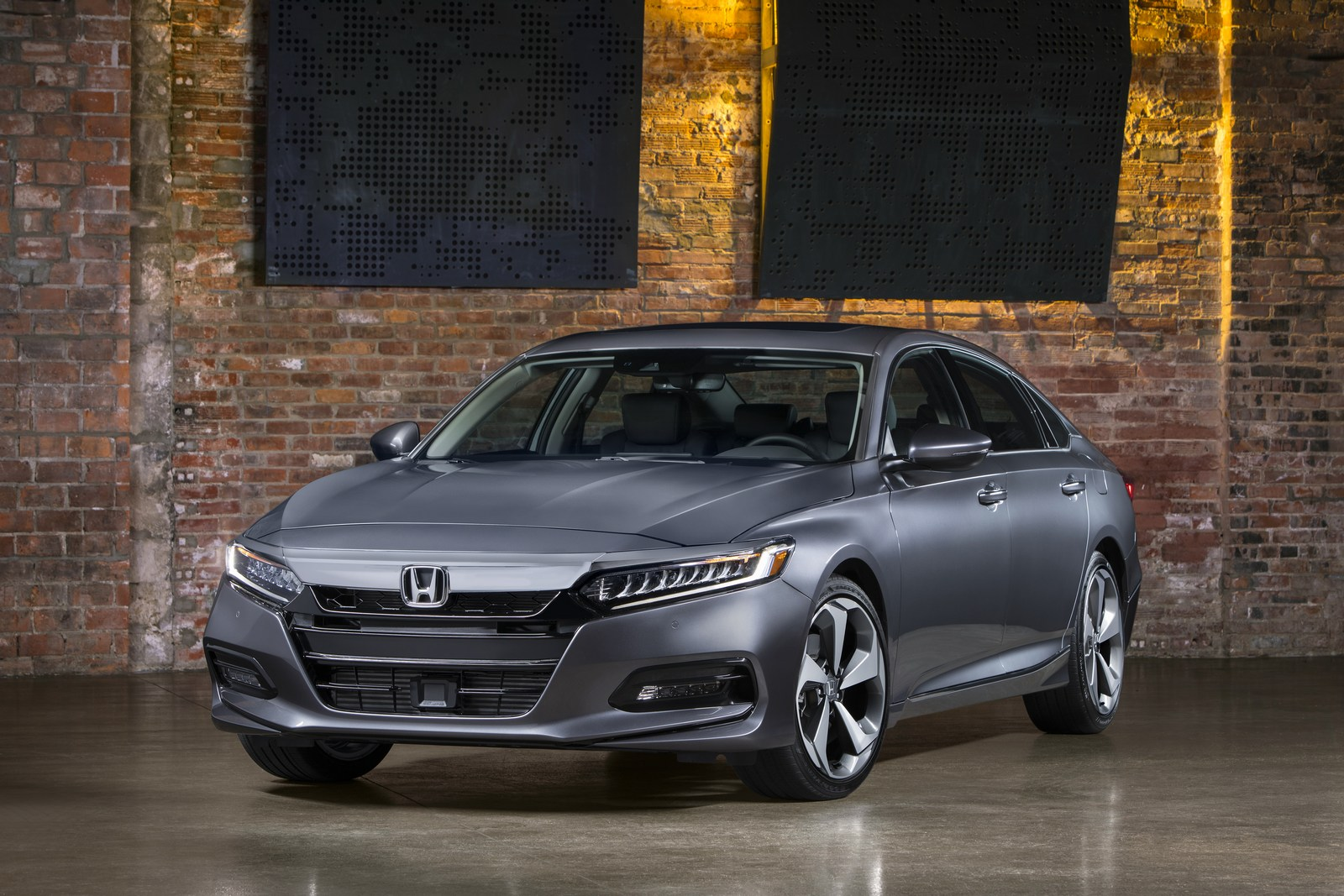 Honda Accord 2018 (11)