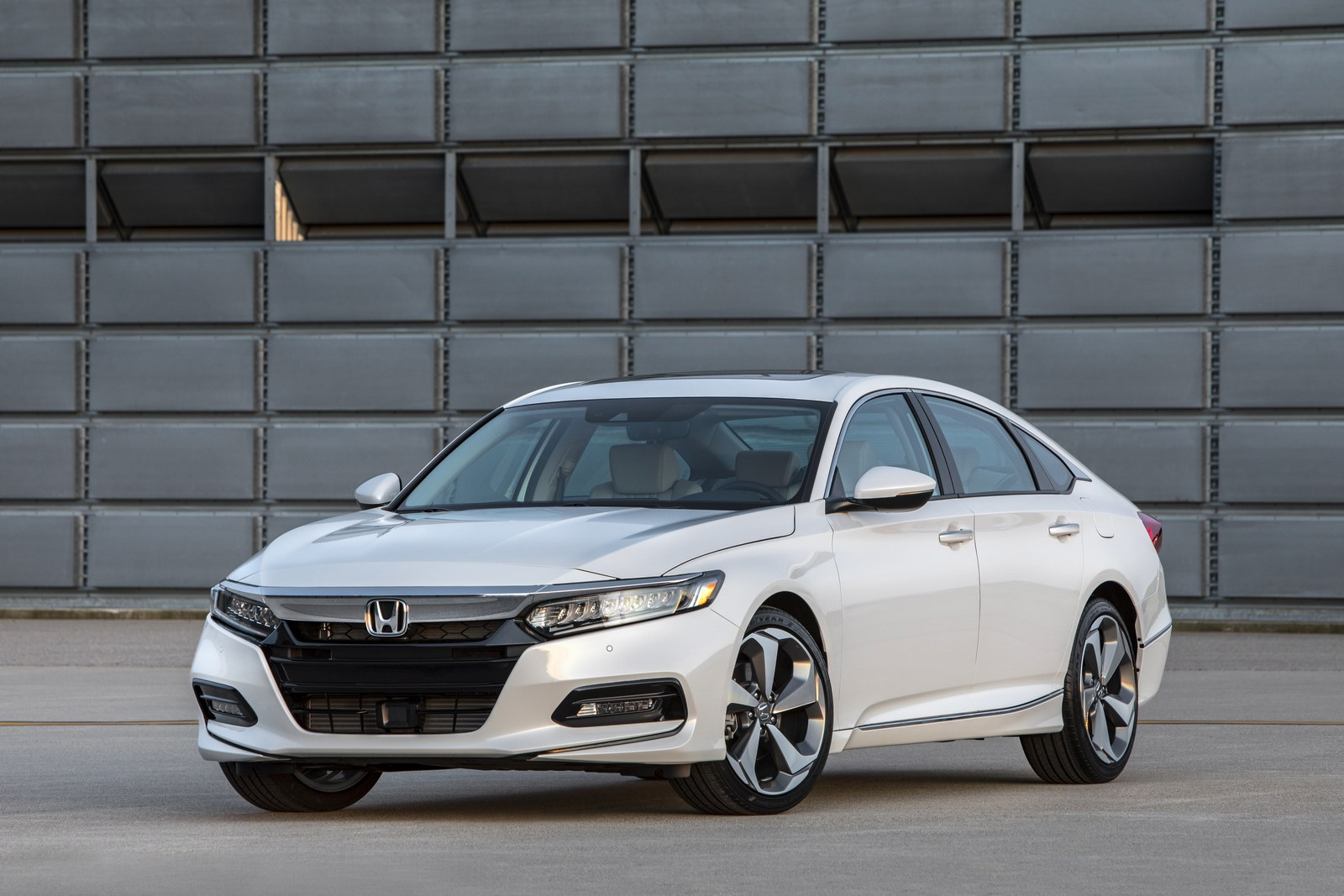 Honda Accord 2018 (8)