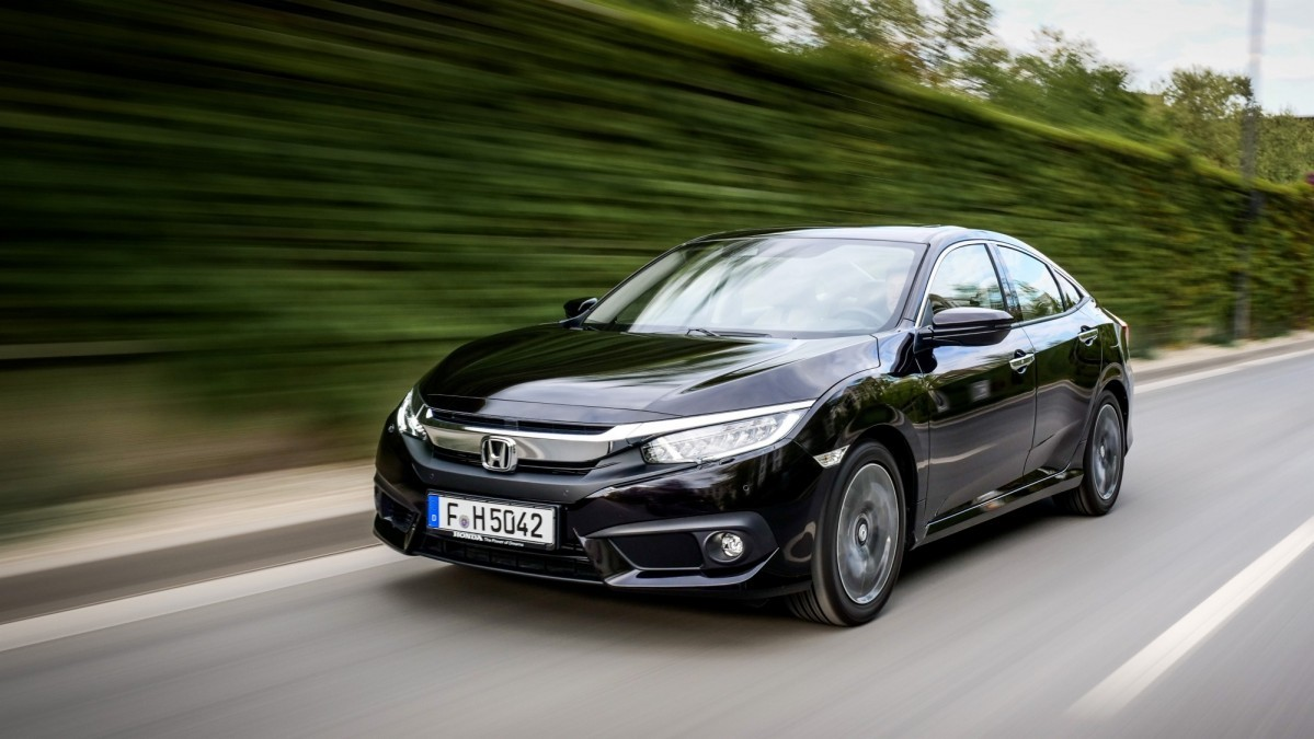 Honda Civic Sedan 2017 for Europe (1)